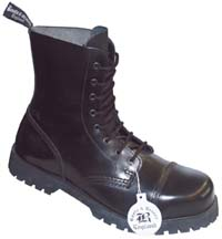 Schuhwerk / Boots & Braces 08 Loch, black - UK12 / D46 BOOTS 151419